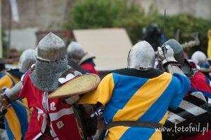 Luchadores de la Edad Media en pleno siglo XXI