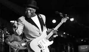 Una leyenda del blues festeja su cumpleaños