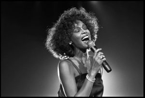 Whitney Houston cumpliría 55 años