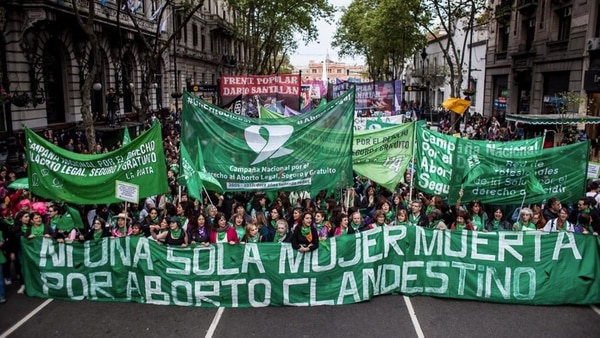Pañuelazo federal y marea verde en el Congreso por la despenalización y legalización del aborto - Radio Cantilo