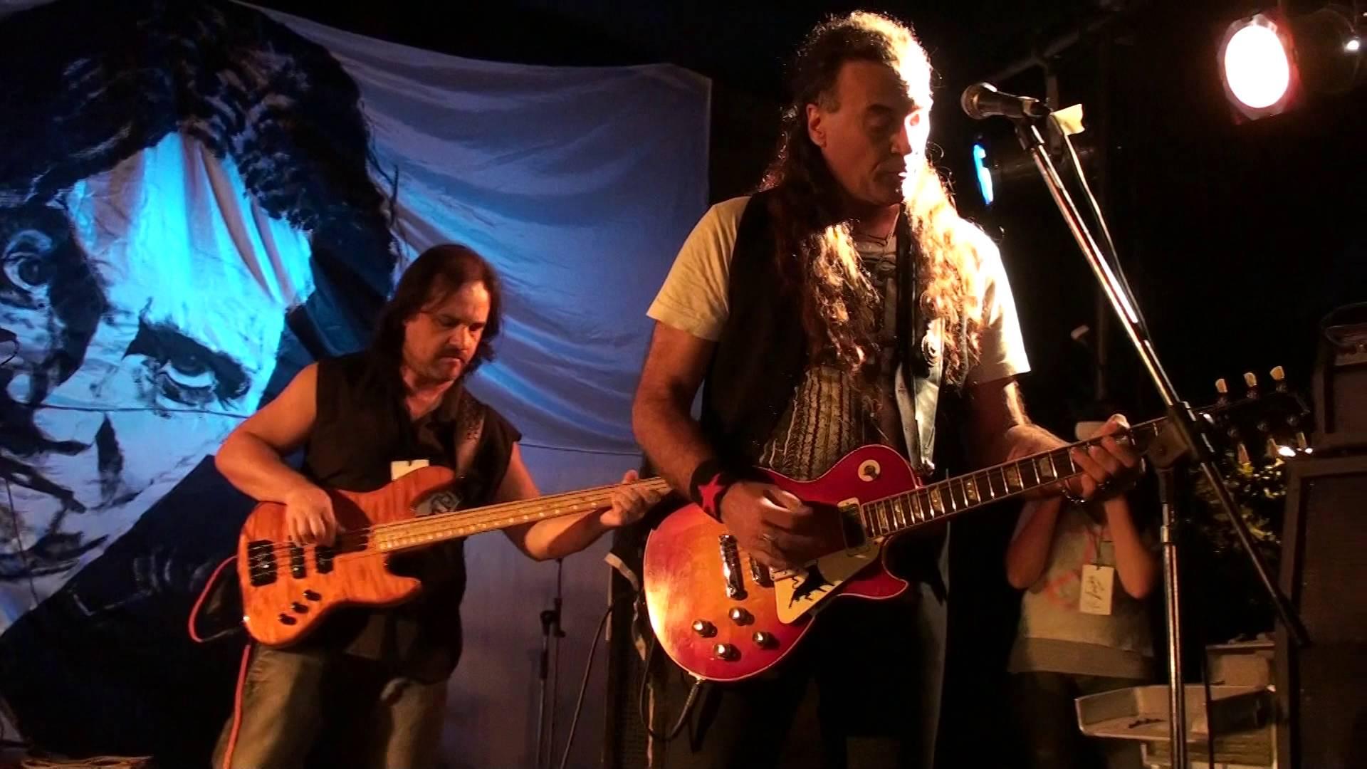 """Gady Pampillón: """"Para hacer hard rock éramos capaces de romper nuestras guitarras"""" - Radio Cantilo"""