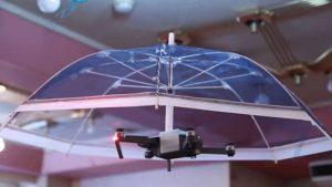 """No vas a mojarte nunca más: se vienen los """"Drones-Paraguas"""""""