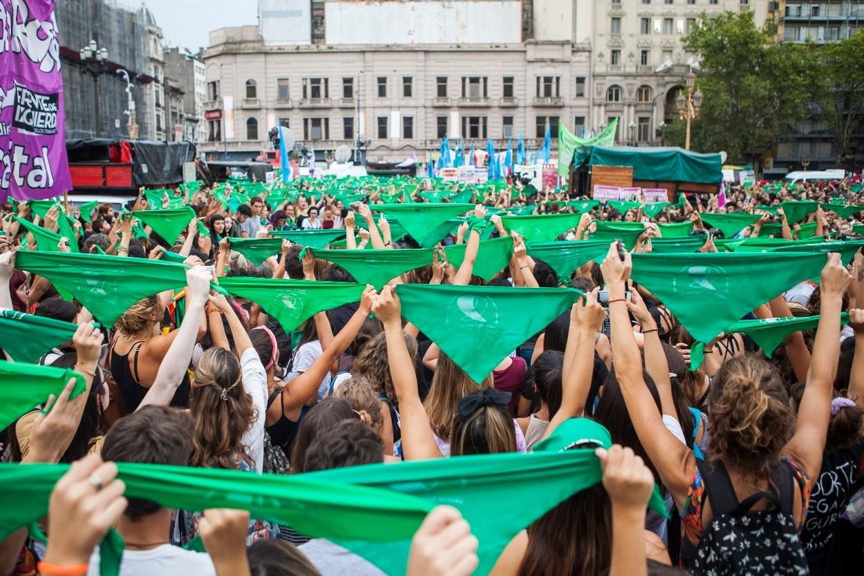 Músicas argentinas exigen el aborto legal - Radio Cantilo
