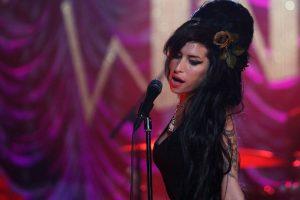 Siete años sin Amy Winehouse: una voz perfecta para reflejar el caos interno