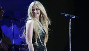 Avril Lavigne anunció su regreso a la música