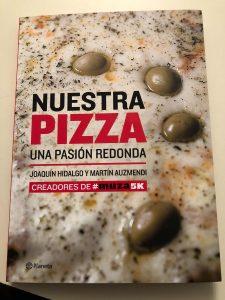 """Llegó la Biblia de """"Nuestra Pizza"""""""