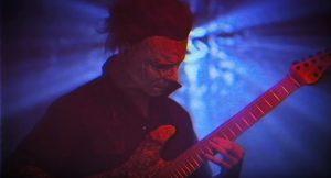 """Mirá al asesino de """"Halloween"""" tocando metal"""