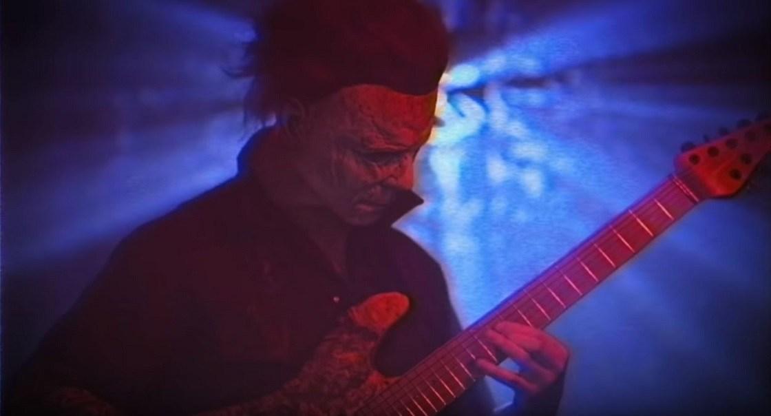 """Mirá al asesino de """"Halloween"""" tocando metal - Radio Cantilo"""