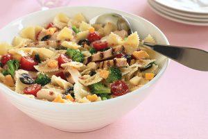 LTP: Canciones para escuchar mientras preparas una ensalada de pasta y pollo
