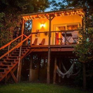 """Cumplí tu sueño de dormir en una """"casa en el árbol"""""""