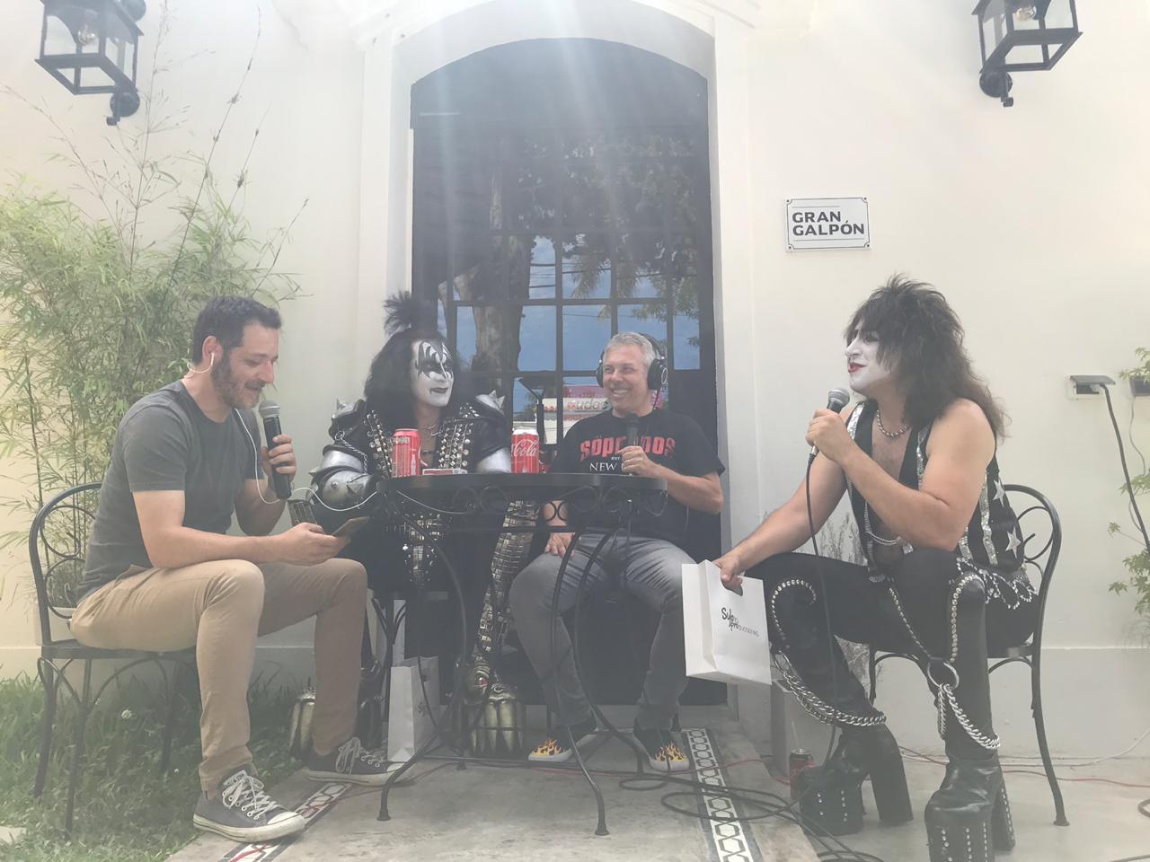 Gene Simmons y Paul Stanley de visita por Cantilo - Radio Cantilo