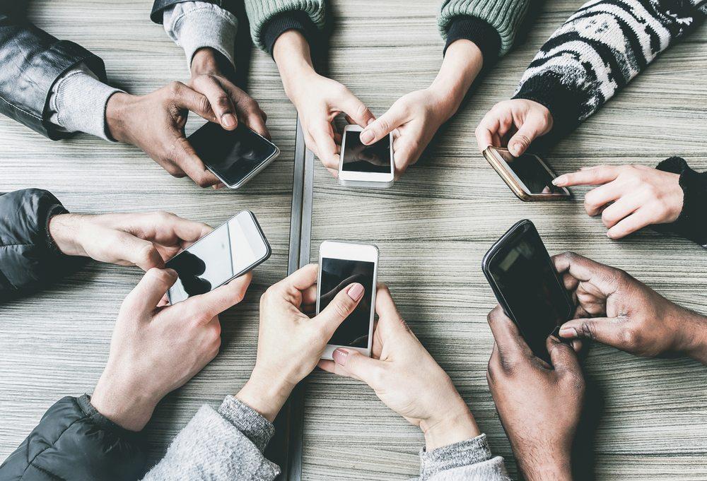 Las redes sociales son más adictivas que el cigarrillo y alcohol - Radio Cantilo