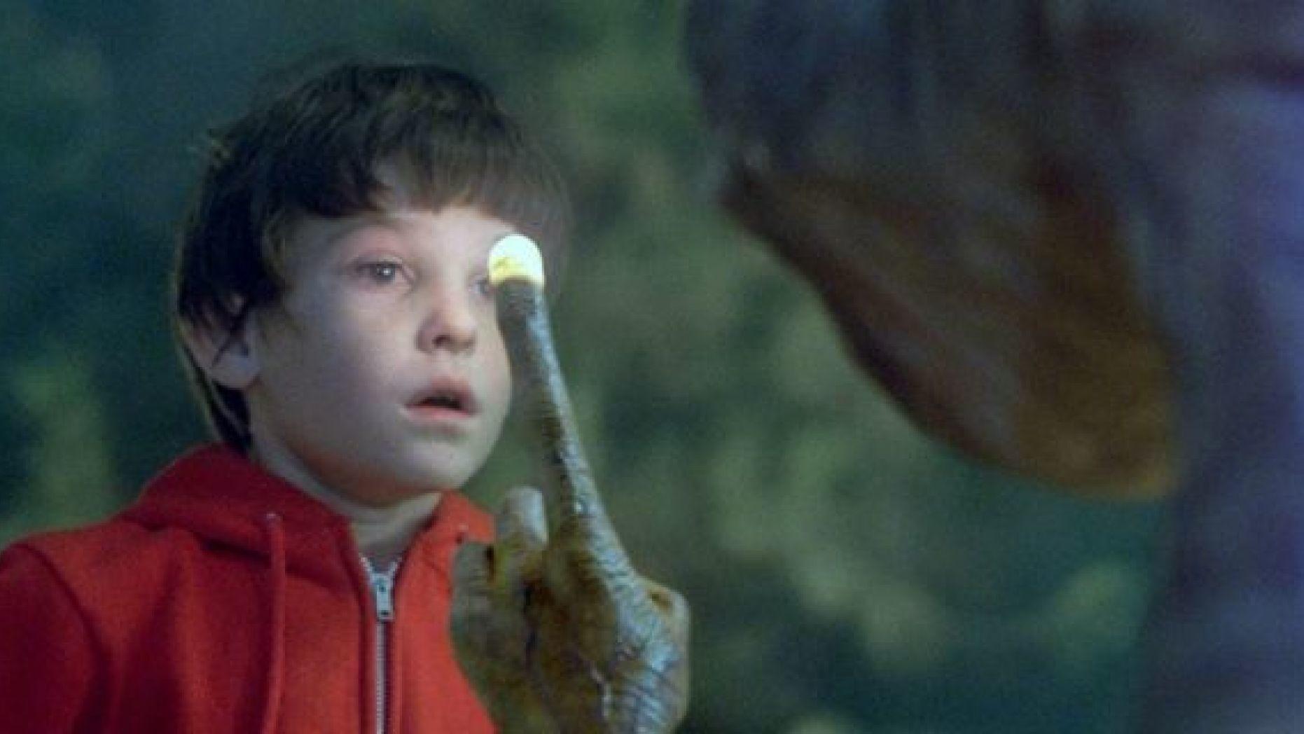 """Cine Retro: Mirá cómo está el """"niño de E.T."""" hoy - Radio Cantilo"""