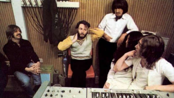 El cineasta Peter Jackson hará un nuevo documental de The Beatles - Radio Cantilo