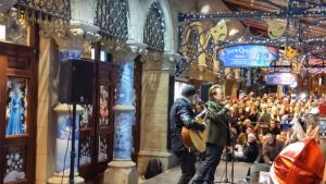 Bono y The Edge tocaron juntos y gratis en Dublín