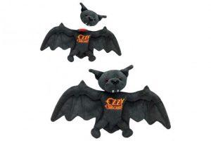 """Ozzy celebra su aniversario del """"murciélago"""" con un particular lanzamiento"""