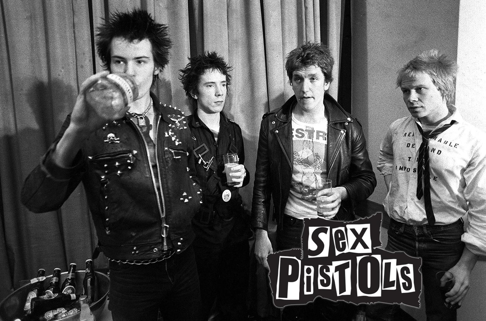 El punk a la moda: Se vienen unas botas inspiradas en los Sex Pistols - Radio Cantilo