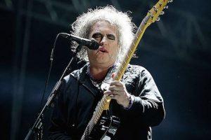 Robert Smith confirmó que The Cure terminó de grabar su nuevo disco