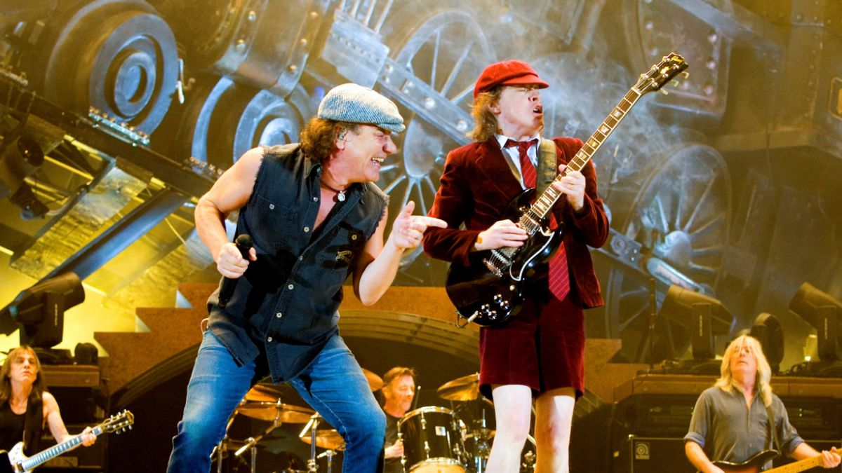 Un viernes no tan santo de la mano de AC/DC - Radio Cantilo