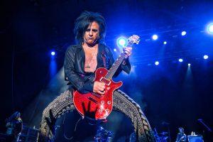 Especial guitarristas: el acompañante N°1 de Billy Idol