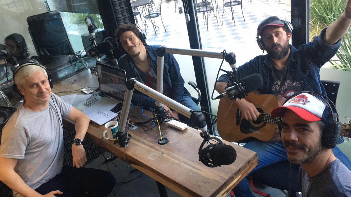 No te pierdas el show acústico de Andando Descalzo - Radio Cantilo
