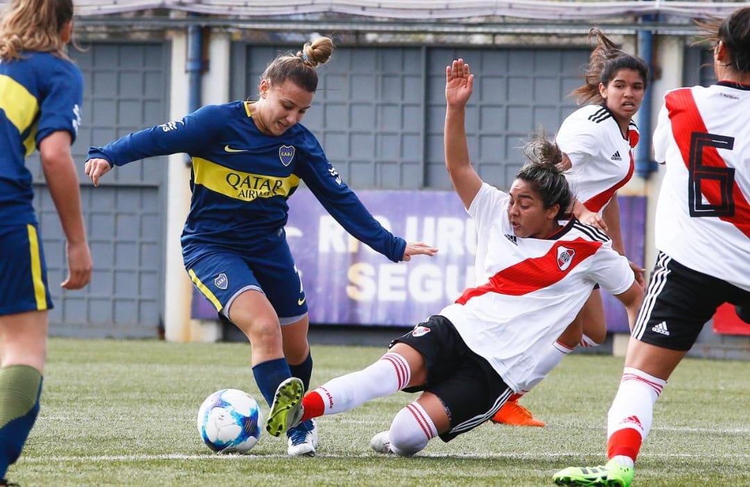 """""""¡Qué Jugadora!"""": Un siglo de fútbol femenino en la Argentina - Radio Cantilo"""