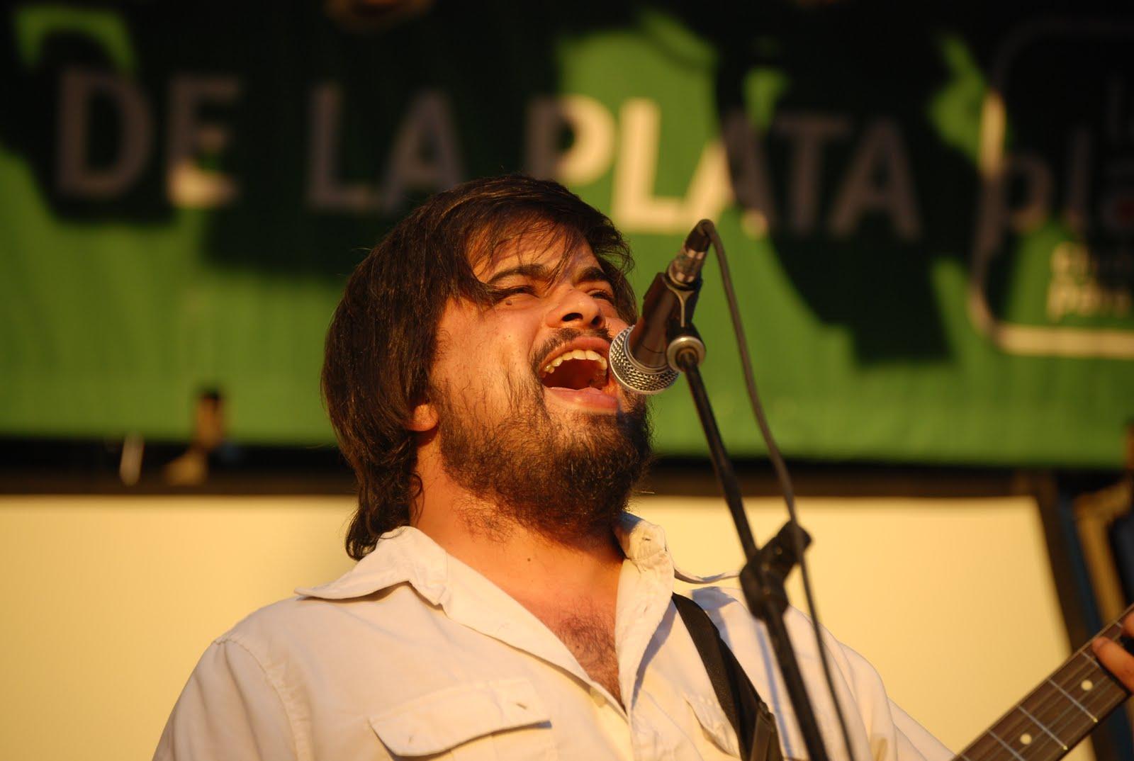"""Lucas Finocchi: """"La música es el lugar donde pongo la pasión"""" - Radio Cantilo"""