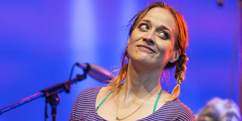 Fiona Apple venció al sistema - Radio Cantilo