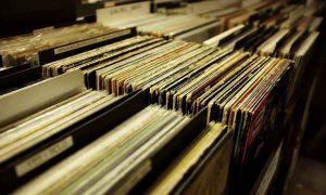 ¿Qué discos se publicaron un 30 de agosto?