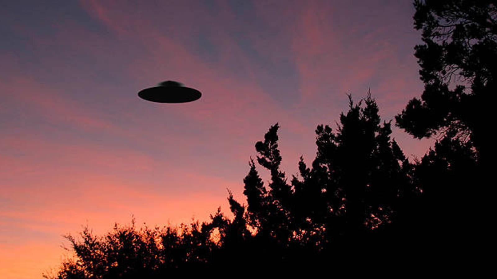 Lo normal es paranormal: contactos con seres del espacio exterior - Radio Cantilo