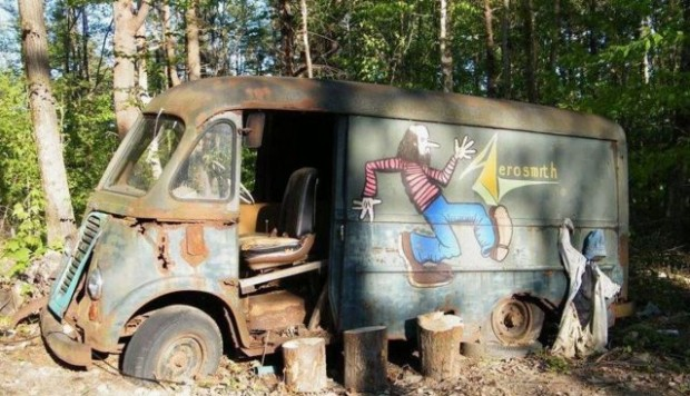 Aerosmith recuperó la camioneta que usaban en los '70 - Radio Cantilo