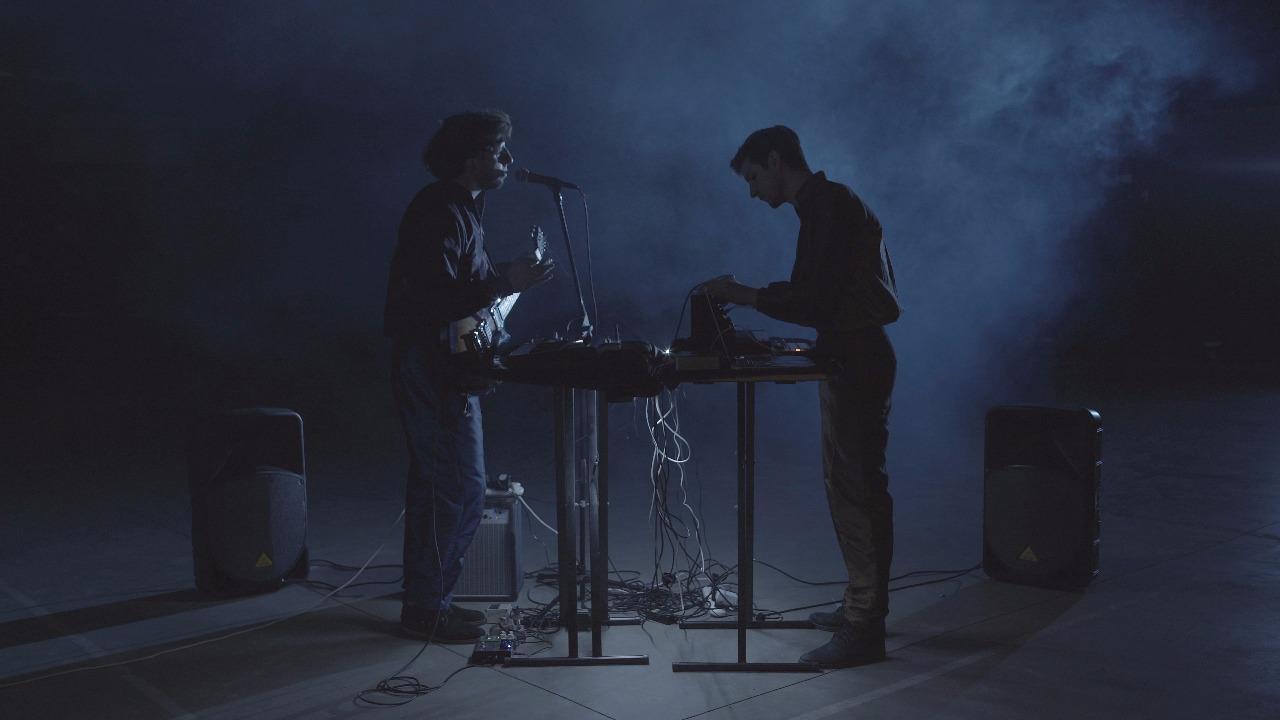 Varese y su canción electrónica - Radio Cantilo