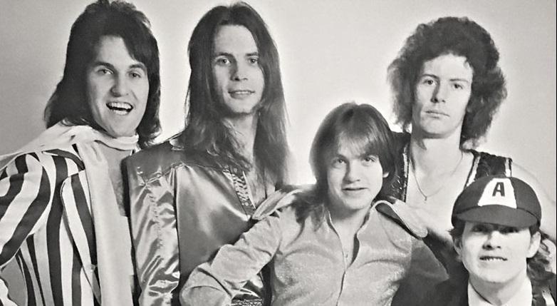 A 45 años del debut de AC/DC - Radio Cantilo