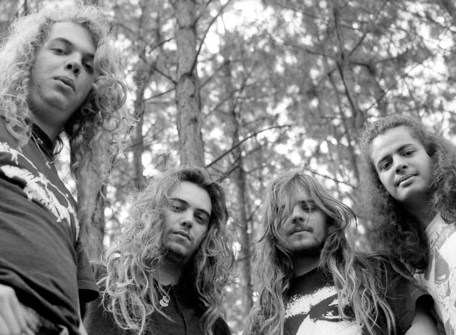 """""""Sin Remordimientos"""": el libro argentino de Sepultura - Radio Cantilo"""