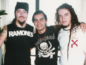 """""""Sin Remordimientos"""": el libro argentino de Sepultura"""