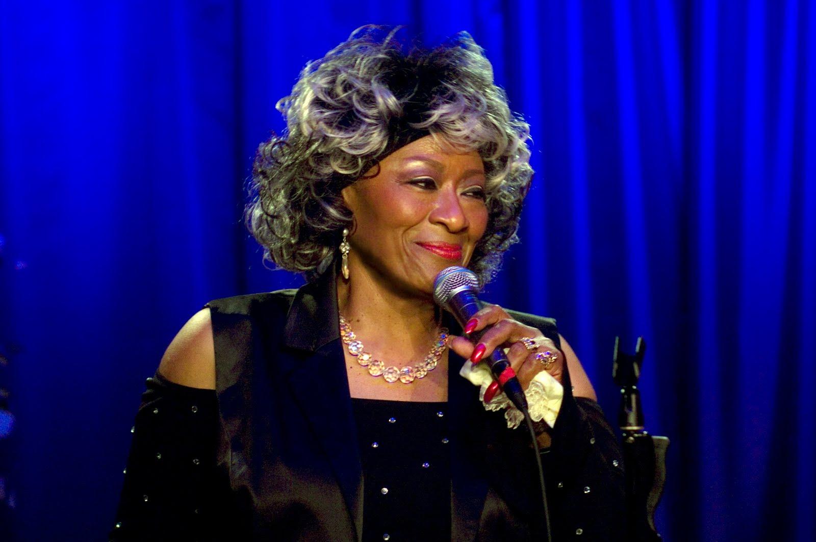 """A 50 años de """"Woman of the ghetto"""", un paneo de sus reversiones - Radio Cantilo"""