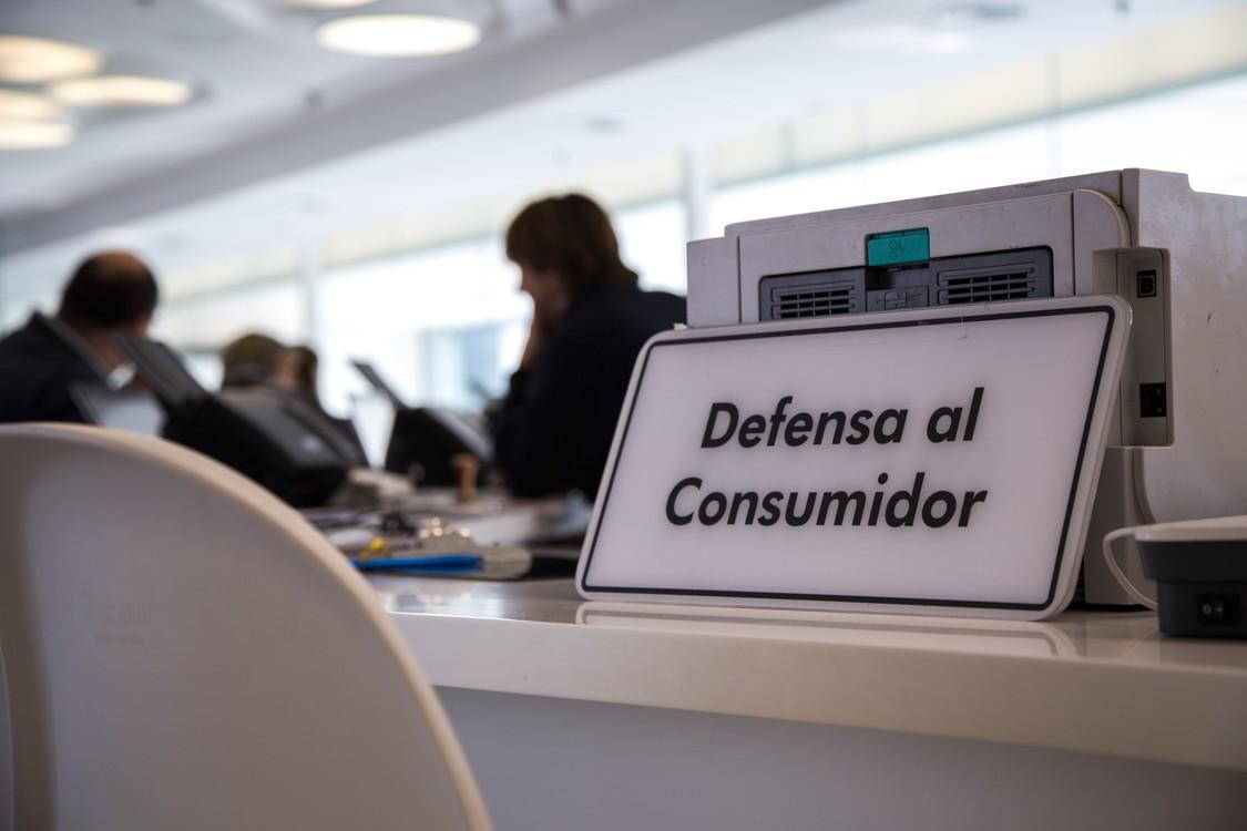 ¿Cómo hacer valer el derecho del consumidor ante los abusos empresariales? - Radio Cantilo