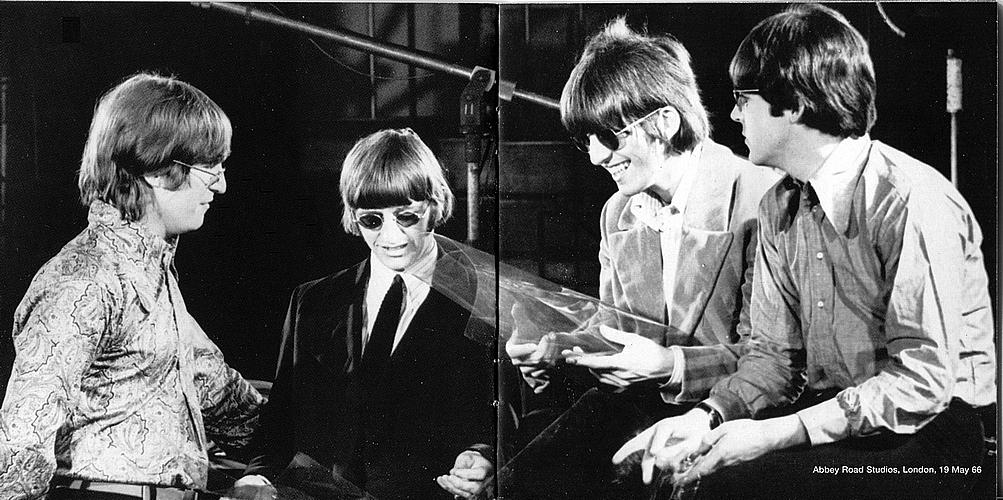 """A 53 años de """"Revolver"""" y 50 del debut de los Stooges - Radio Cantilo"""