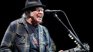 Sorpresa: Neil Young canceló su gira para trabajar en producciones audiovisuales