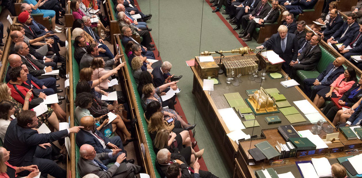 El parlamento británico le puso el freno al Brexit sin acuerdo - Radio Cantilo