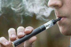 El cigarrillo electrónico: los riesgos del tabaquismo bajo nuevas formas de consumo