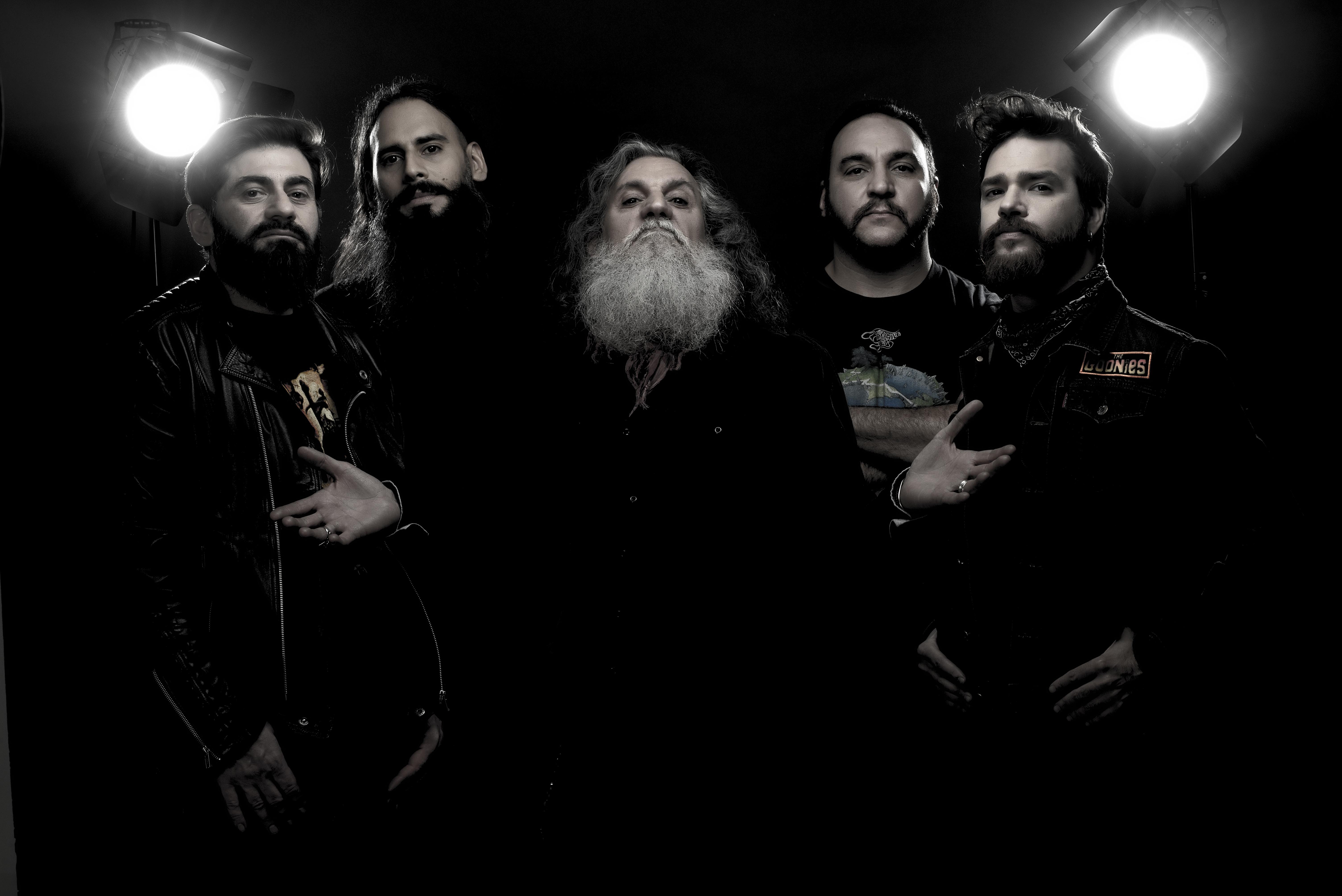 Los Antiguos continúan con su gira presentación de ¨Oro para las naves¨ - Radio Cantilo