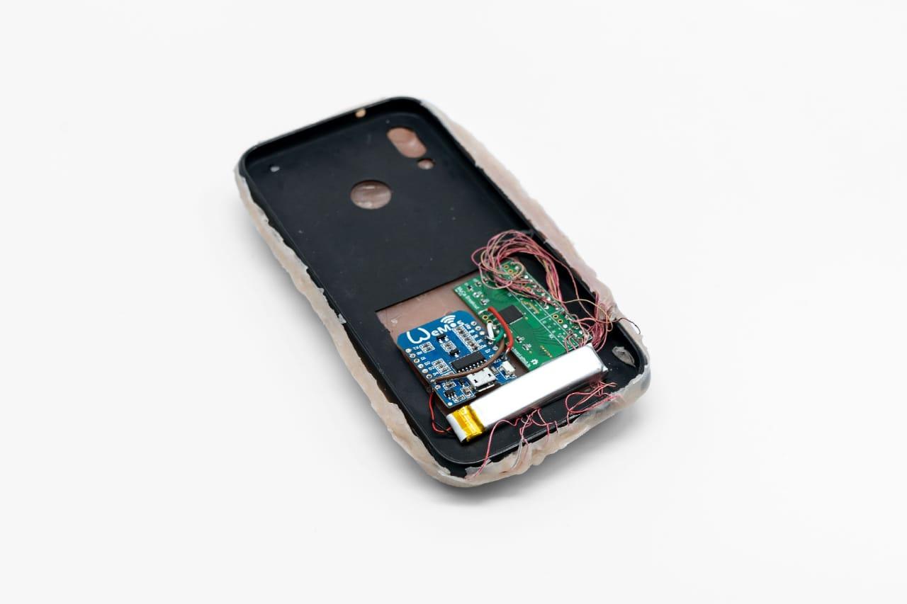 Dato Chequeado: la funda para celular humana - Radio Cantilo
