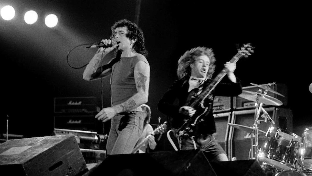 Mirá el homanaje que AC/DC planea para Bon Scott - Radio Cantilo