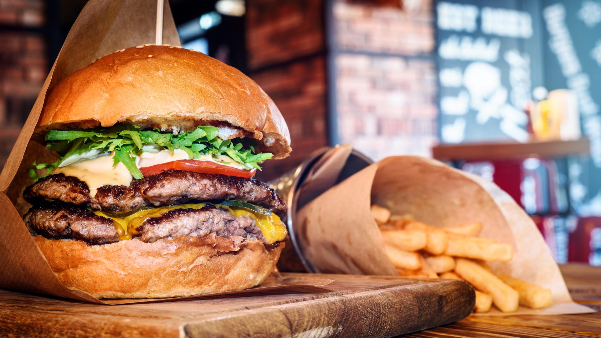 Llega el Burger Tour de la mano de Muzzarella por el Mundo - Radio Cantilo