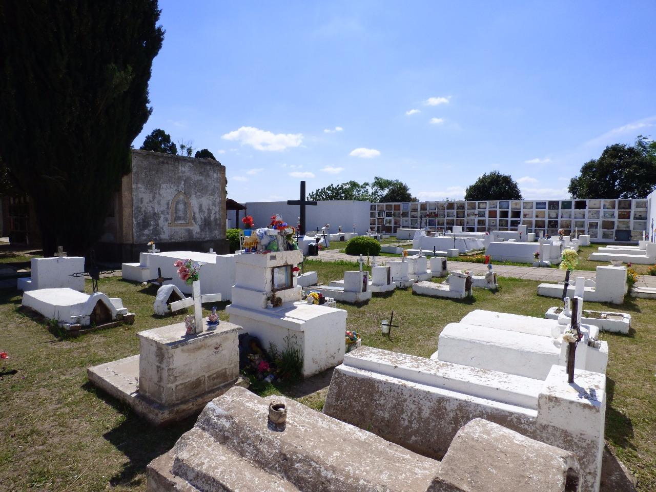 El youtuber Omar Crew visitó un cementerio en Córdoba y terminó preso - Radio Cantilo