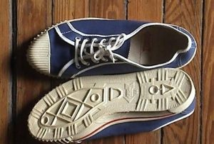 """""""Acá lo hacemos mejor"""": La historia de las primeras zapatillas de lona"""