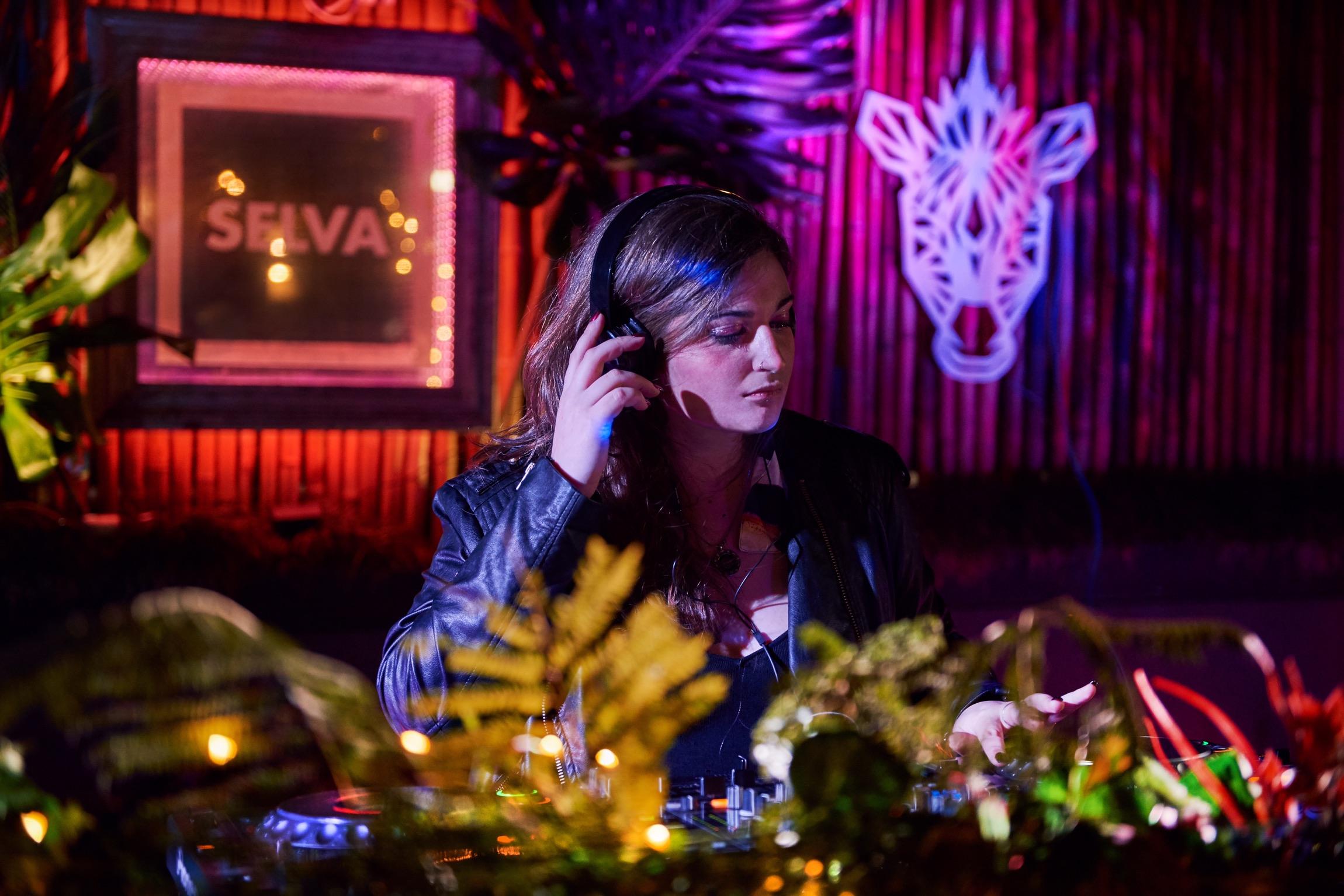 Victoria Poletti y una hora de tech house - Radio Cantilo