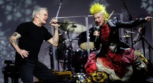¿Cyndi Lauper se volcó al punk?