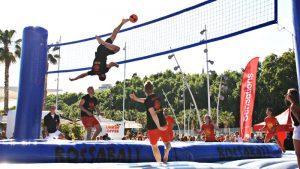 Bossaball: un deporte de verano que fusiona fútbol, voley, gimnasia y música